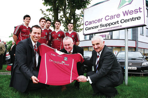 At the launch of the Cancer Care West and Galway Football GAA Partnership on Tuesday were (l-r) Richard Flaherty CEO of Cancer Care West, Christy Cooney president of the GAA and John Joe Holleran chairman of the Galway County Football board. Galway Footballers ( l-r) Michael Meehan, Conor Doherty, Finian Hanley, Colin Forde and Johnny Duane.  Photo:-Mike Shaughnessy